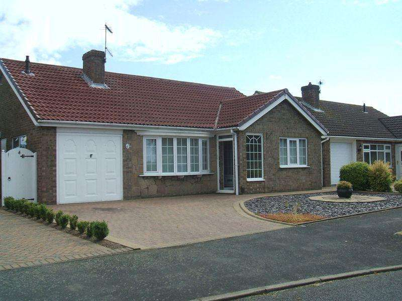 3 Bedrooms Bungalow for sale in 4 Exmoor Close, North Hykeham, Lincoln