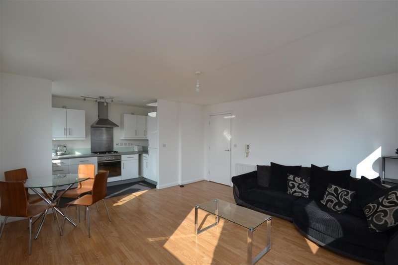 2 Bedrooms Flat for sale in Du Cane Road, London