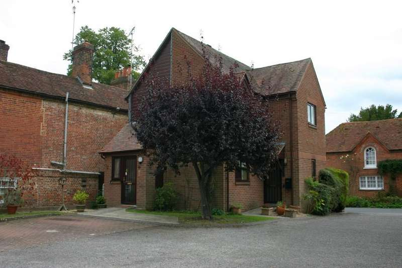 1 Bedroom Maisonette Flat for sale in Marshalls Court, Speen, Newbury