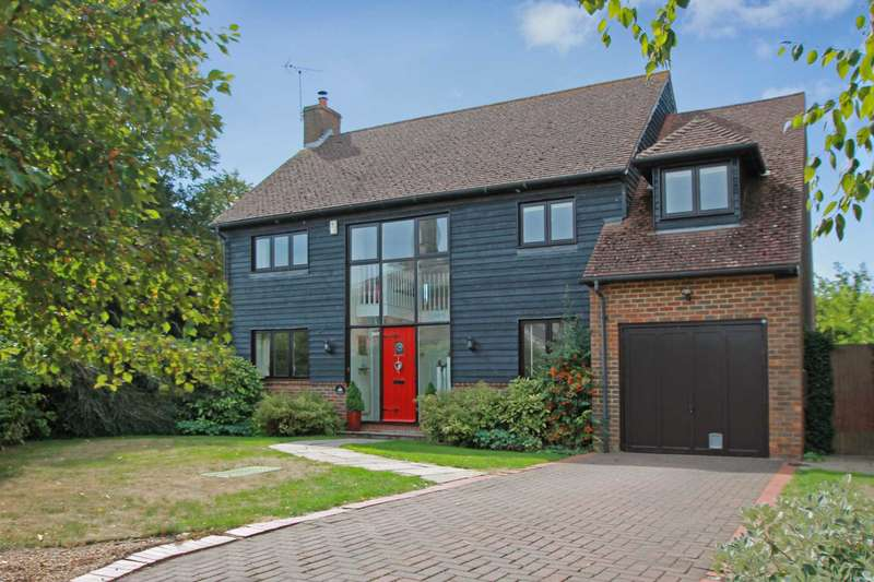 4 Bedrooms Detached House for sale in Bury Farm Close, Slapton