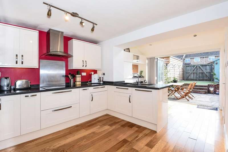 3 Bedrooms House for sale in Sonning Common, Close to Henley and Reading, RG4