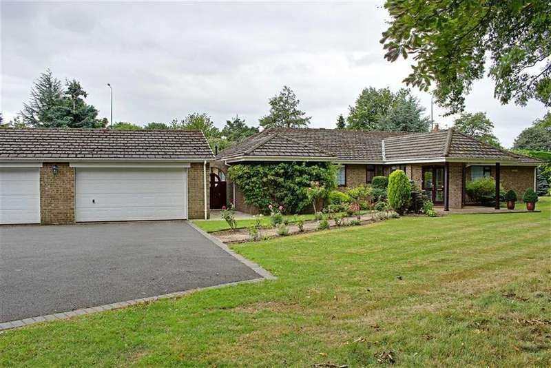 4 Bedrooms Detached Bungalow for sale in The Paddock, Nunthorpe