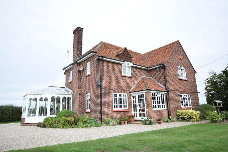 4 Bedrooms Detached House for sale in Sladburys Lane, Holland-on-Sea