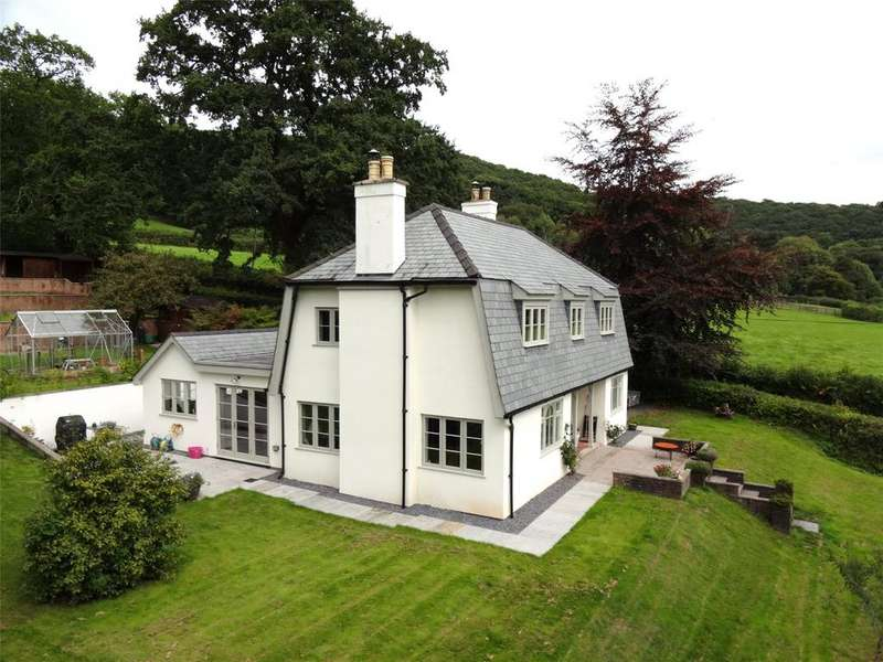 3 Bedrooms Detached House for sale in Dulverton, Somerset