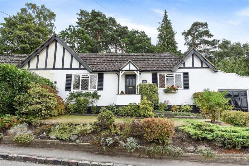 3 Bedrooms Semi Detached Bungalow for sale in High Street, Little Sandhurst, Berkshire GU47 8LG