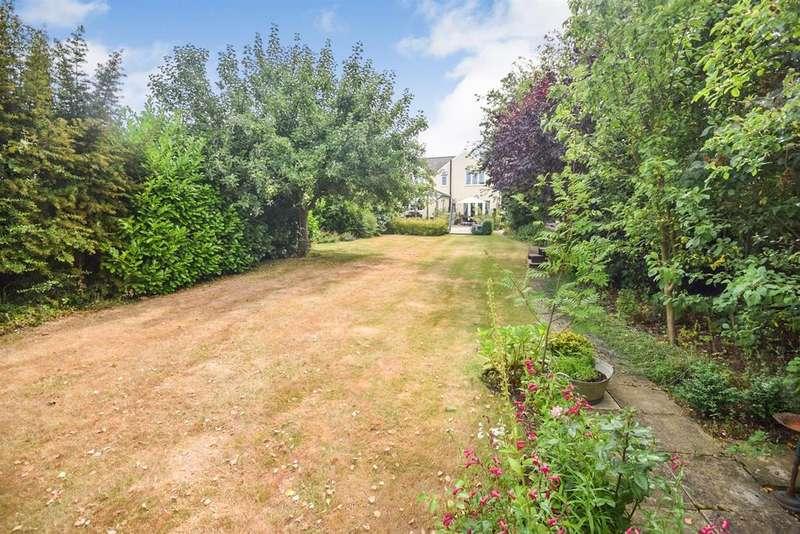 5 Bedrooms Detached House for sale in Plantation Road, Boreham