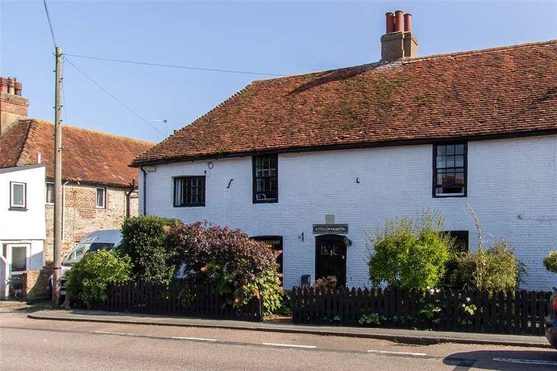 3 Bedrooms Terraced House for sale in High Street, Pevensey