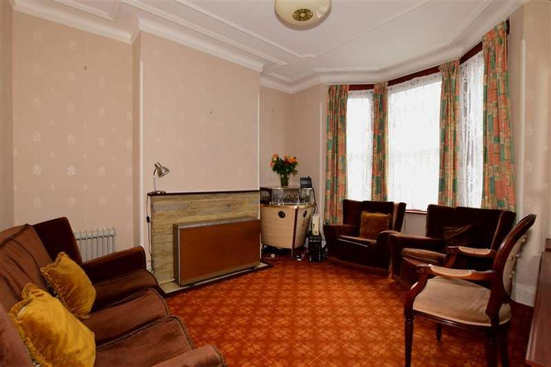 3 Bedrooms Terraced House for sale in Chesterfield Road, London