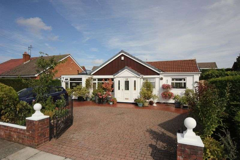 3 Bedrooms Property for sale in Selkirk Avenue, Eastham, Wirral