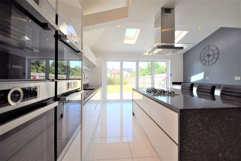 5 Bedrooms Semi Detached House for sale in Whitworth Road, South Norwood, SE25 6XJ