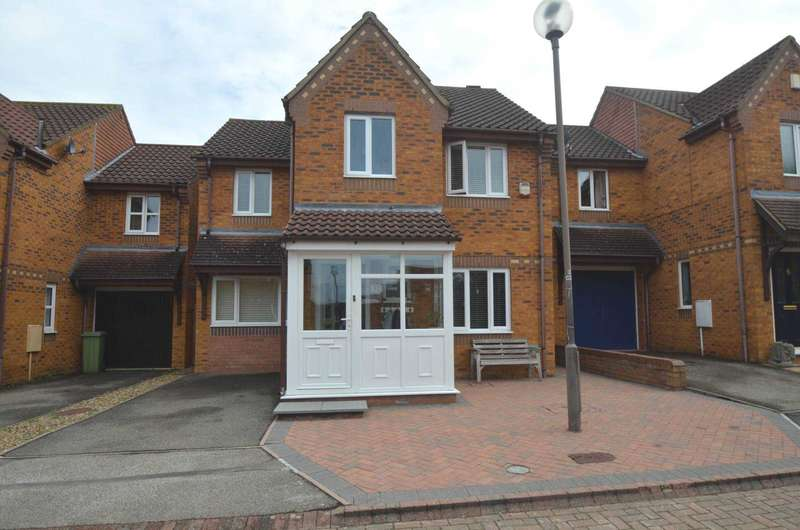 4 Bedrooms Detached House for sale in Stantonbury Fields