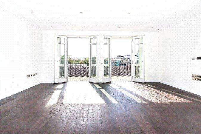2 Bedrooms Apartment Flat for sale in Higham House, 102 Carnwath Road, Fulham, London, SW6