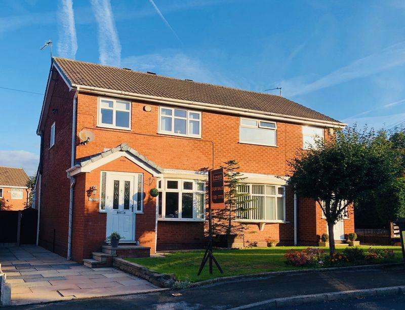3 Bedrooms Semi Detached House for sale in Oval Drive, Dukinfield