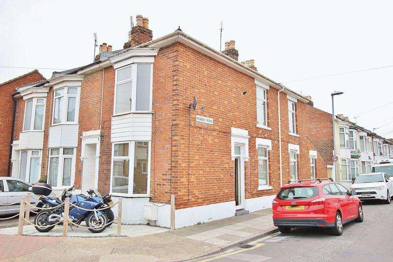 3 Bedrooms Terraced House for sale in Shearer Road, Fratton