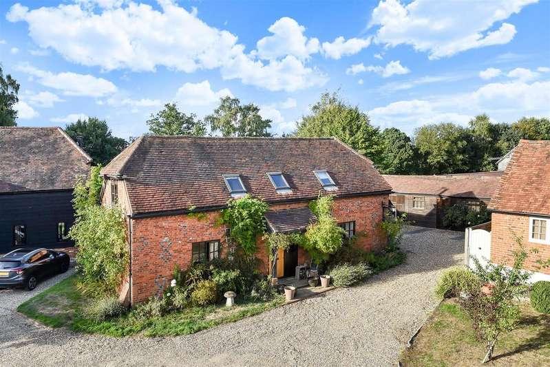 3 Bedrooms Cottage House for sale in Wheatlands Manor, Park Lane, Finchampstead, Berkshire RG40 4QL