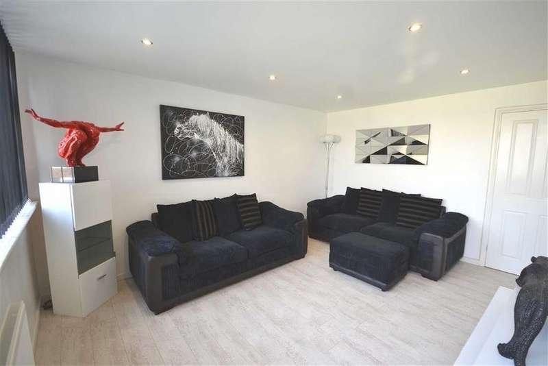 4 Bedrooms Terraced House for sale in Priory Court, Harlow, Essex, CM18