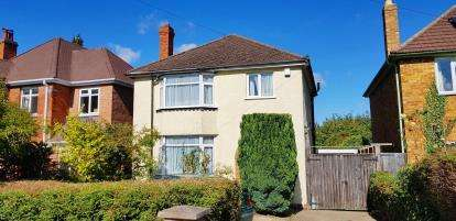 3 Bedrooms Detached House for sale in Priors Road, Cheltenham, Gloucestershire
