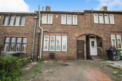4 Bedrooms Terraced House for sale in Trinity Road, Luton, Bedfordshire, United Kingdom