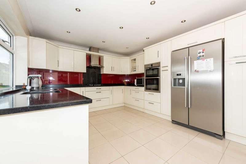 5 Bedrooms Semi Detached House for sale in Stanmore Cresent, Luton