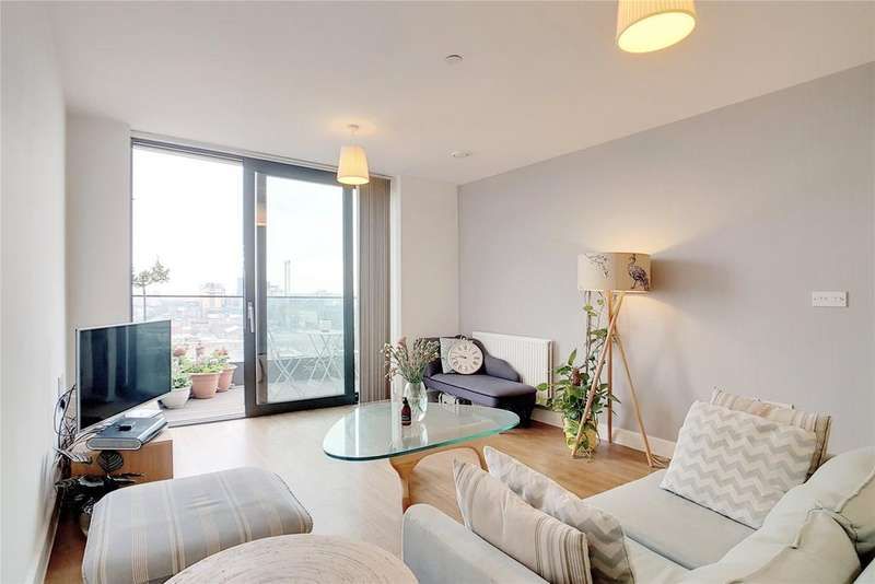 2 Bedrooms Flat for sale in Connaught Heights, Agnes George Walk, London, E16