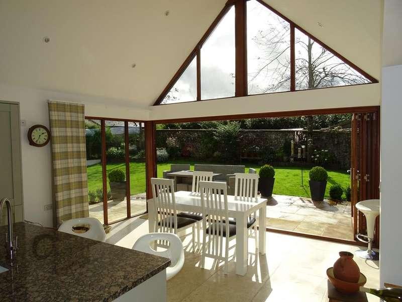 4 Bedrooms Detached House for sale in Frithelstock, Torrington EX38