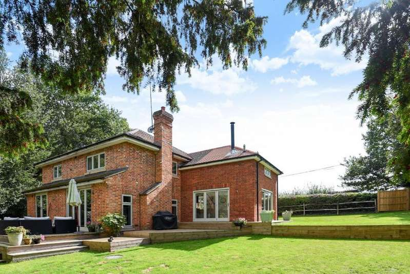 4 Bedrooms Detached House for sale in Bunces Shaw Road, Farley Hill, RG7