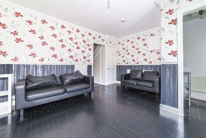 3 Bedrooms Terraced House for sale in Castleton Road, Grove Park, London SE9