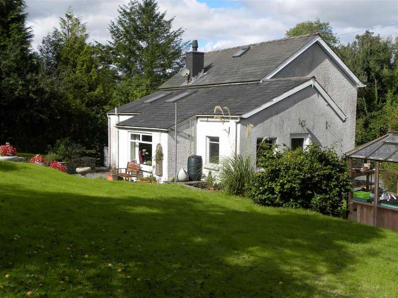 3 Bedrooms Smallholding Commercial for sale in Ty Mawr, Llanybydder