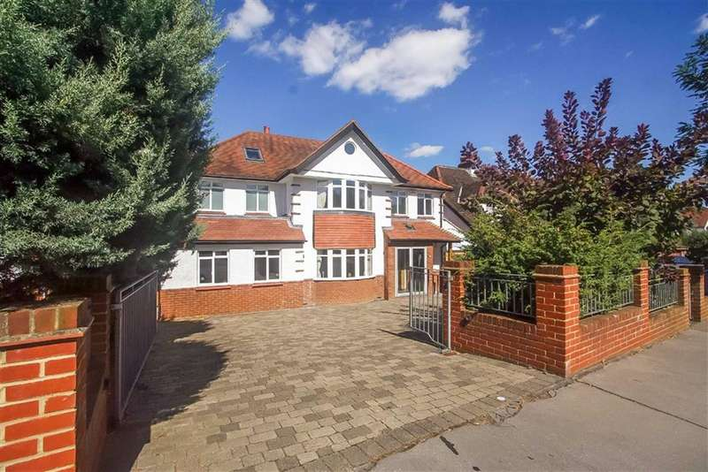5 Bedrooms Detached House for sale in Fitzjames Avenue, Whitgift Estate, Croydon, Surrey