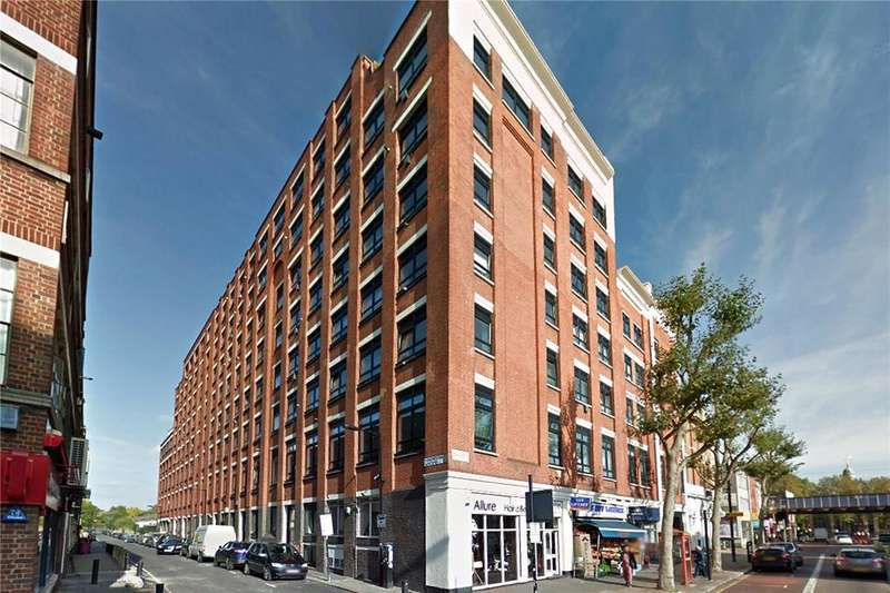 2 Bedrooms Flat for sale in City View House, 463 Bethnal Green Road, London, E2