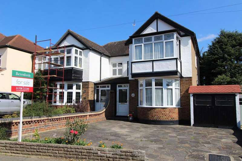 3 Bedrooms Semi Detached House for sale in Corbets Avenue, Upminster, Essex, RM14