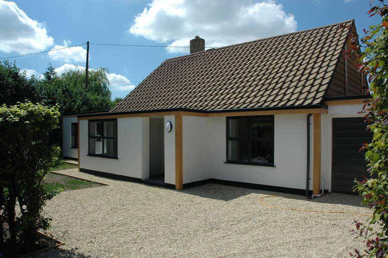 3 Bedrooms Detached Bungalow for sale in Cherry Cottage, Orchard Close, Sturminster Newton, Dorset