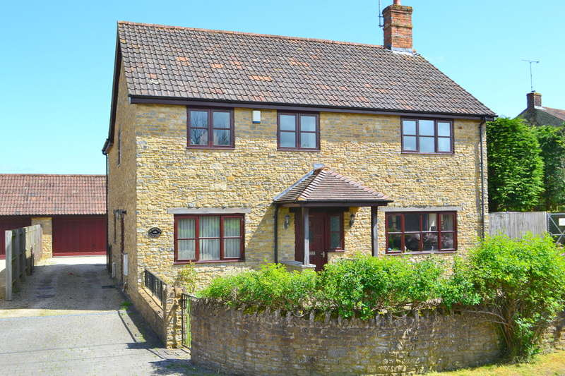 4 Bedrooms Detached House for sale in Holton, Somerset BA9