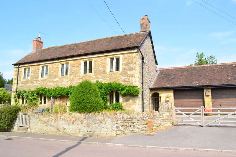 3 Bedrooms Property for sale in Templecombe, Somerset, BA8