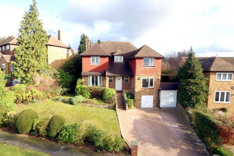 4 Bedrooms Detached House for sale in Foxdell Way, Chalfont St. Peter, SL9