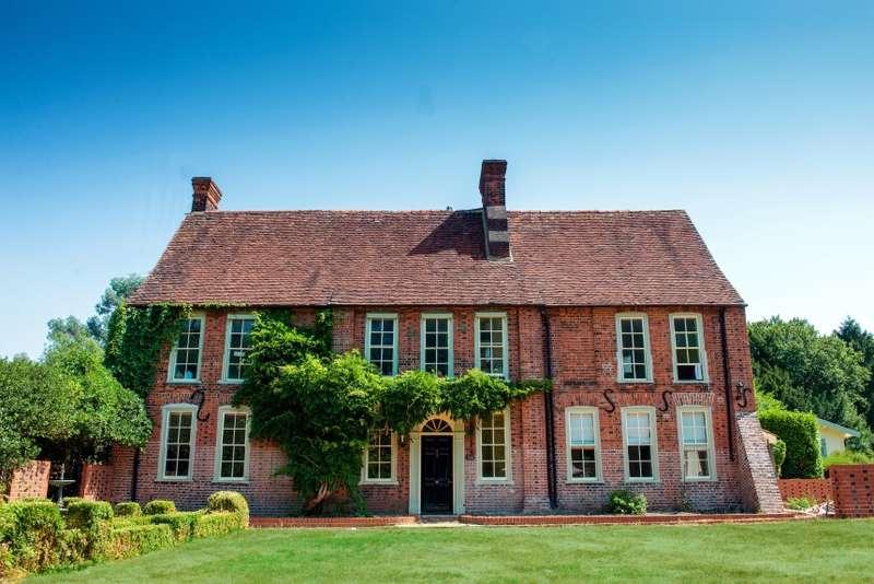 7 Bedrooms Detached House for sale in Langtons, Sandpit Lane, Pilgrims Hatch, Brentwood, Essex