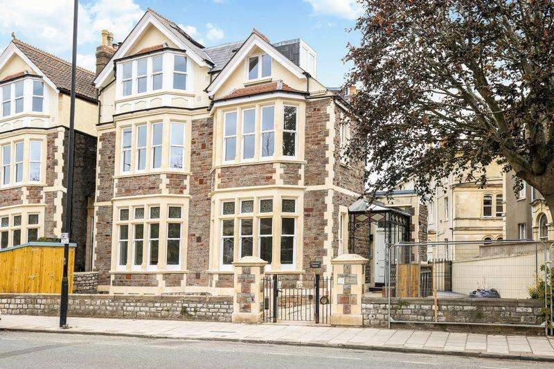 2 Bedrooms Apartment Flat for sale in First Floor Flat, 199 Redland Road, Redland, Bristol, BS6 6YS