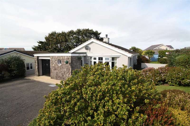 3 Bedrooms Detached Bungalow for sale in Stad Castellor, Cemaes Bay