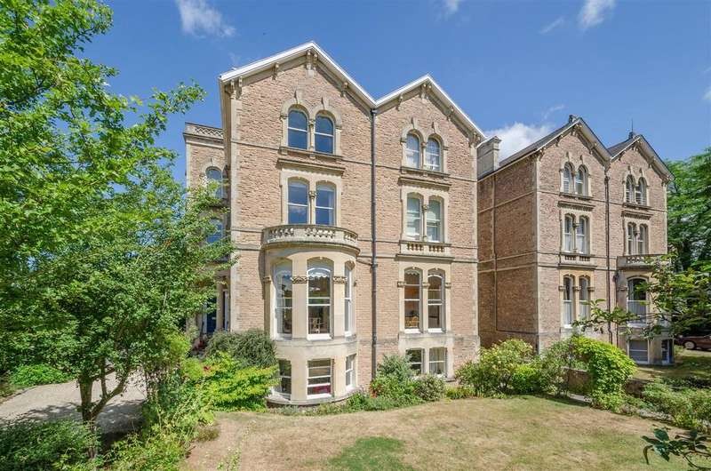 3 Bedrooms Apartment Flat for sale in Canynge Road, Clifton, Bristol