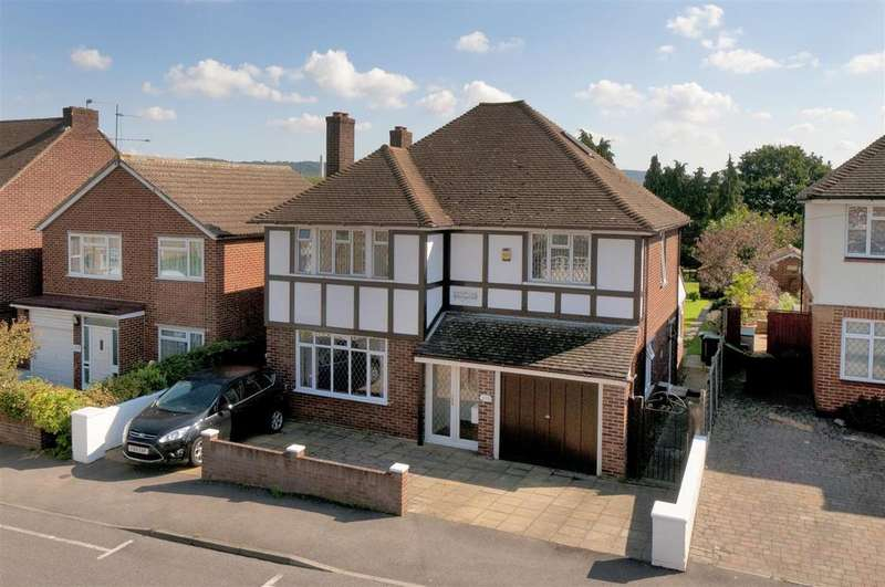 4 Bedrooms Detached House for sale in Malling Road, Snodland