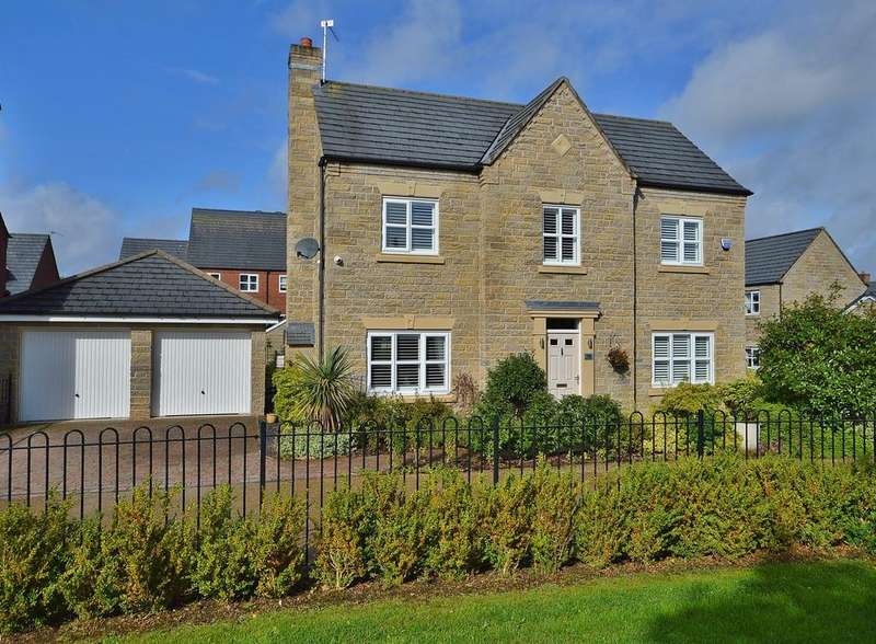 4 Bedrooms Detached House for sale in Eastwood Drive, Marple