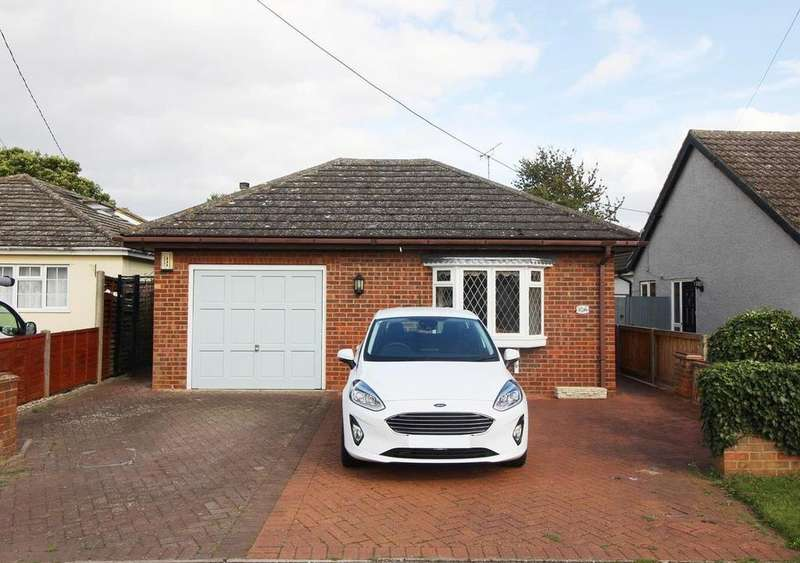 3 Bedrooms Detached Bungalow for sale in Suffolk Avenue, West Mersea, Colchester, Essex, CO5