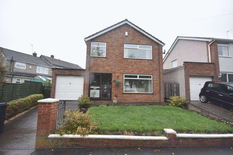 3 Bedrooms Detached House for sale in Dundridge Lane St George