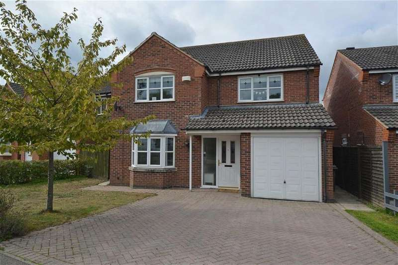 4 Bedrooms Detached House for sale in Bridgemere Close, Glen Parva