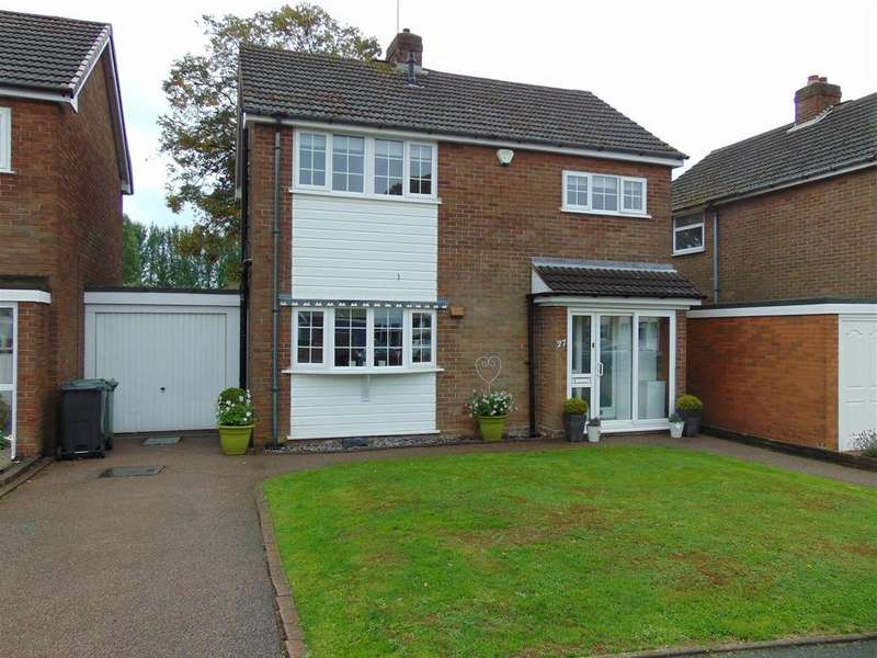3 Bedrooms Detached House for sale in Fernleigh Road, Walsall