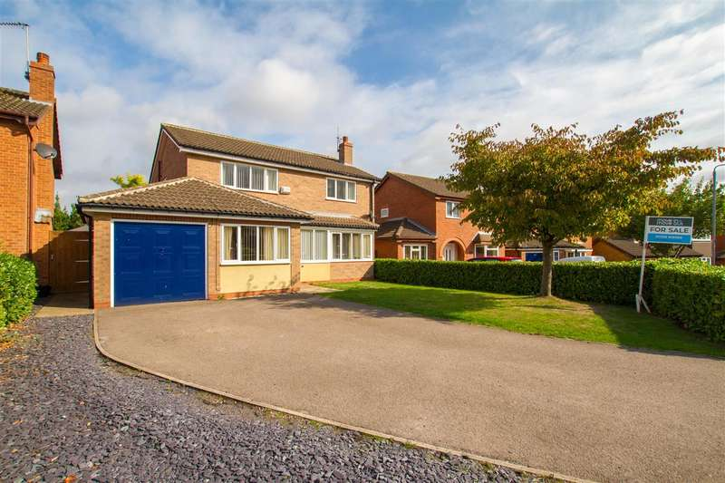 4 Bedrooms Detached House for sale in The Dene, Worksop