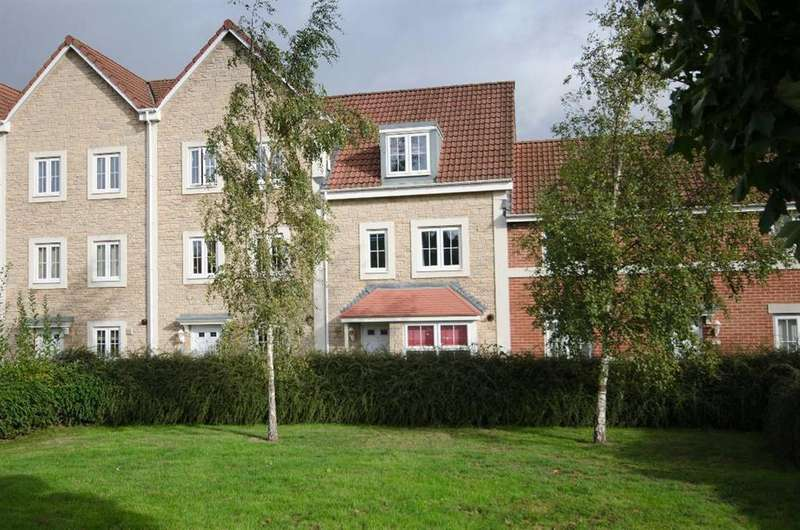 4 Bedrooms Terraced House for sale in Mayflower Court, Staple Hill, Bristol, BS16 5FD