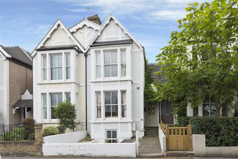 4 Bedrooms Terraced House for sale in Hurst Road, East Molesey, Surrey, KT8