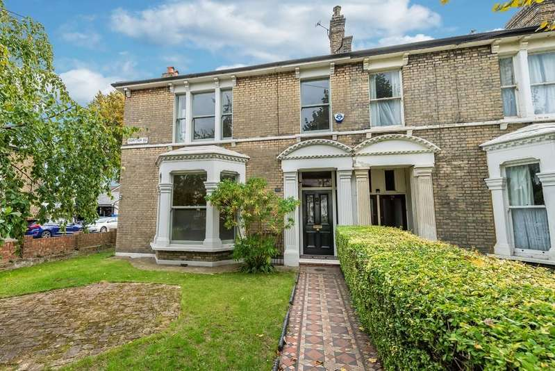 4 Bedrooms End Of Terrace House for sale in Hampton Road, Forest Gate