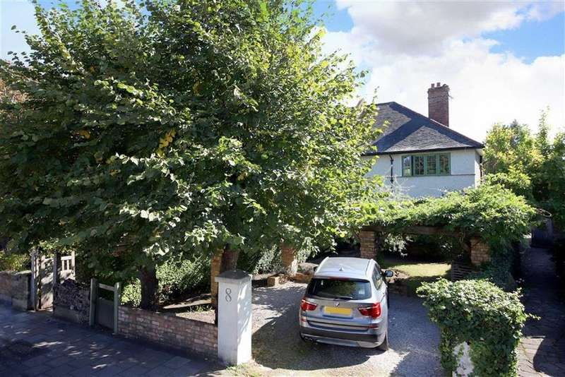 4 Bedrooms Semi Detached House for sale in Lancaster Avenue, London